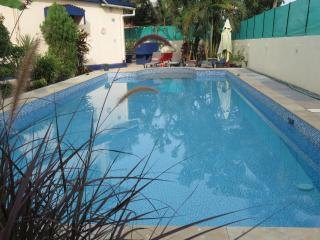 00) Spacious 2 Bed Private Apartment Nagoa & WiFi - Candolim vacation rentals