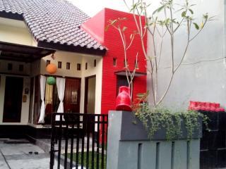 rumah AA jogja guesthouse - Sleman vacation rentals