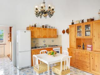 Casa Giuseppe, Affordable and comfortable Apt - Campania vacation rentals