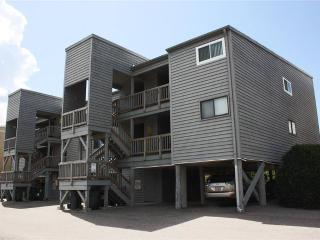 Nannies Condo Unit # 407 1000 Caswell Beach Rd. - Caswell Beach vacation rentals