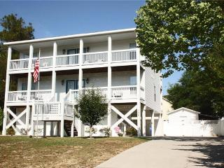 Wine & Roses 128 NW 10th Street - Oak Island vacation rentals