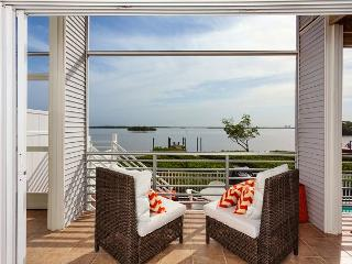 Paradise Bay Villa, 3 bedrooms, heated pool, boat dock - Fort Myers Beach vacation rentals