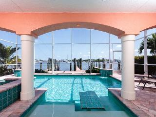 Bay Front Beauty, 3 Bedrooms, Private Heated Pool & Whirlpool - Fort Myers Beach vacation rentals