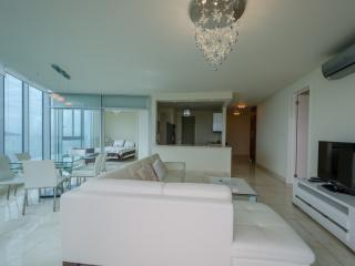 Luxurious Condo- 100% ocean view in Panama City - Panama City vacation rentals