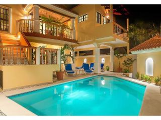 Comfortable 1 bdr apartment w well equipped kitchen in 4 unit property w pool - Puerto Morelos vacation rentals