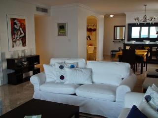 Superior 2 bedroom suites with 2 bath!Beach views! - Miami Beach vacation rentals