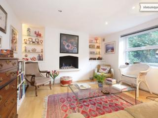 Comfortable 2 bed garden flat, Duncan Terrace, Islington - London vacation rentals