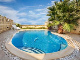 Holiday Farmhouse in Island of Gozo - Private pool - Gharb vacation rentals