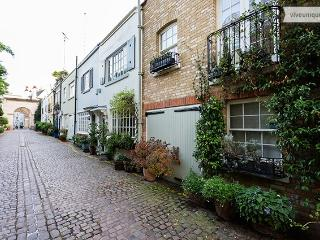 2 bed 2 bath beautiful Kynance Mews, Kensington - London vacation rentals