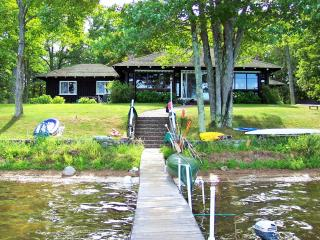 S. Trout Lake Waterfront Lodge - a Northwoods gem! - Minocqua vacation rentals
