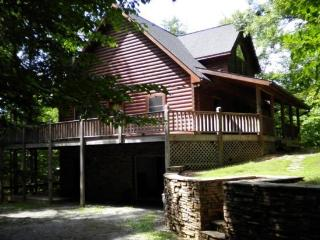 Other Side of the Mountain is a secluded lakefront vacation cabin on Norris Lake at Lone Mountain Shores. - Rutledge vacation rentals