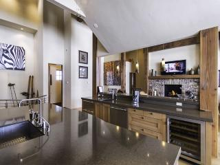 Live Like A King In This Highend Masterpiece Of A - Breckenridge vacation rentals