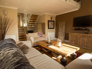 New Luxury American Style Living In This High End Home - Merthyr Tydfil vacation rentals