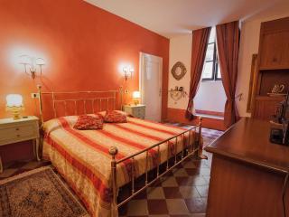 Central Cortona Apartment at Quintani Luna - Cortona vacation rentals