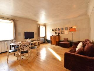 Bologna charming apartment - Rome vacation rentals