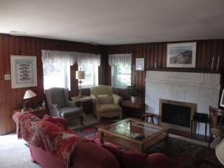 2 Bedroom Charming Cottage, Walk to Beach - Virginia Beach vacation rentals
