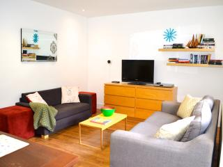 Great location Close to Eurostar station Central - London vacation rentals