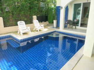 NICE VILLA, 3 bed private pool gym in Nai Harn - Chalong Bay vacation rentals