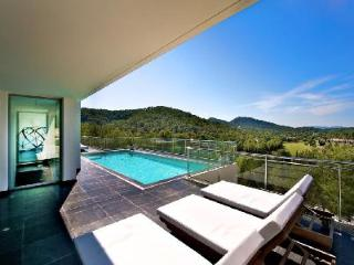 Contemporary Villa Zayl with Pool & Terraces - A Short Drive to the Beach! - Cala Llonga vacation rentals