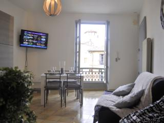 Appartement cosy + parking - Uzes vacation rentals