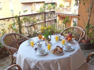 • Elegant Spacious Bright Apt • Close 2 Metro B • - Montelibretti vacation rentals