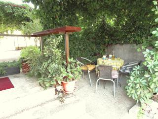 Apartment for 2 persons, with patio. Free parking - Komiza vacation rentals