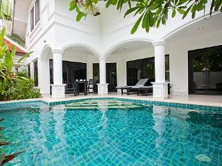 Na Jomtien Pool Villa - Ban Chang vacation rentals