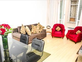 LUXURY 3Bdr APARMENT IPANEMA V033 - State of Rio de Janeiro vacation rentals