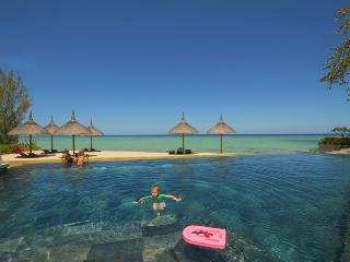 Sea/Beachfront luxury appart, pool, Mauritius West - Tamarin vacation rentals