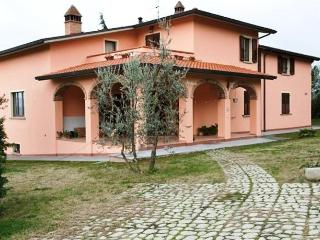Villa Le 3 Rose your family cottage in Tuscany - Arezzo vacation rentals