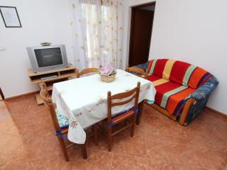 GORAN One-Bedroom Apartment 2 - Rovinj vacation rentals