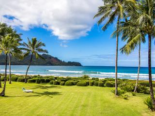 BEACHFRONT - Dead Center On Hanalei Bay - Princeville vacation rentals
