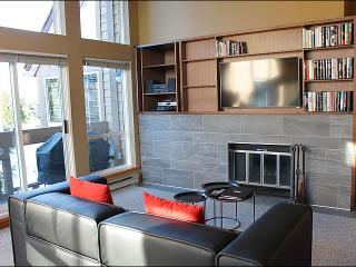 Beautiful Golf Course Views - Wood Burning Fireplace (4008) - Whistler vacation rentals