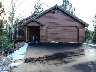 Charming chalet near all that Lake Tahoe has to offer! - Truckee vacation rentals