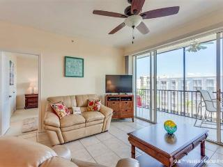 Hibiscus Pointe 852, Canal View, Elevator, Heated Pool - Fort Myers Beach vacation rentals