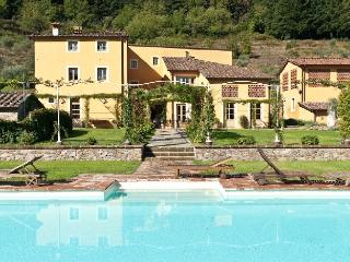 Lucca Estate - Villa Classica Luxury house rentals near Lucca - Capannori vacation rentals