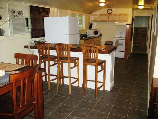 Ke Iki Country Cottage - Haleiwa vacation rentals