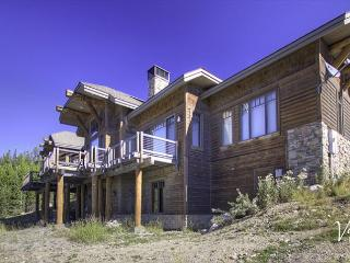 Spectacular Mountain Views! Luxury 4BD Home w/Game Room, Deck & Hot Tub - Big Sky vacation rentals