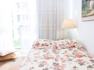 Nice room available in Copacabana - Rio de Janeiro vacation rentals