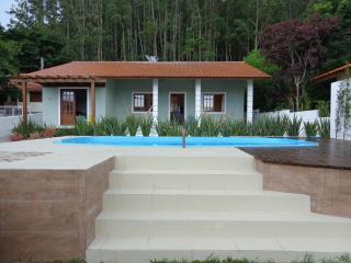 Apartamento 2 Cuartos -Playa-Florianópolis- AP-03 - Garopaba vacation rentals