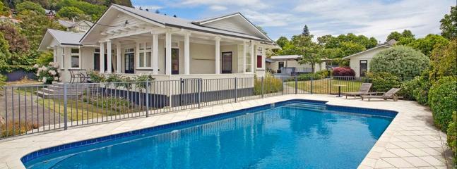 Poolside Villa   Sleeps 9   from $500+ - Nelson-Tasman Region vacation rentals
