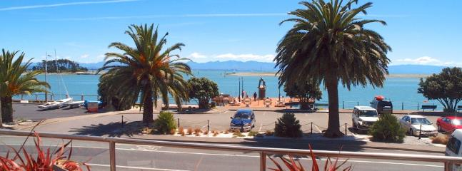 The Waterfront Apartment on Nelson's Spectacular Waterfront - Nelson-Tasman Region vacation rentals