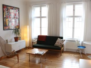 'Christianne', a bright, Prenzlauer Berg studio - Berlin vacation rentals