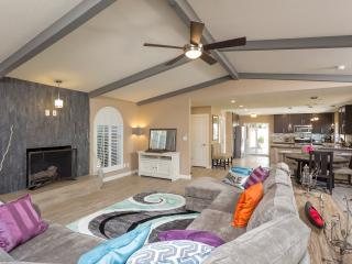 Heated Pool, Luxury Remodel in Heart of it All! - Phoenix vacation rentals