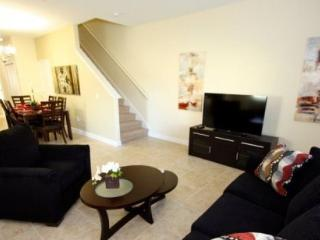 Fabulous 5 Bedroom 4 Bathroom Town Home in Paradise Palms. 8951BPR - Disney vacation rentals