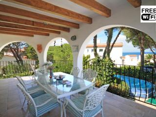 Family vacation villa for rentals in La Escala - L'Escala vacation rentals