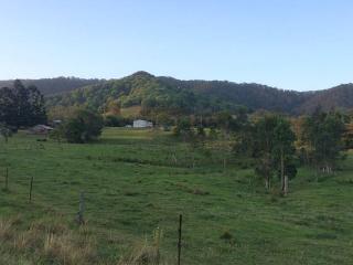 Charming rural cottage near Mullum - Uki vacation rentals
