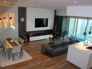 Pure luxury - Marina duplex condo fully renovated - Dubai vacation rentals