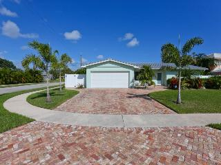 Custom home in the heart of East Boca Raton - Boca Raton vacation rentals