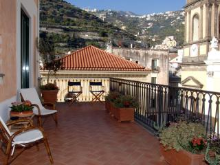 Il Sagrato - Large apartment with terrace - Minori vacation rentals
